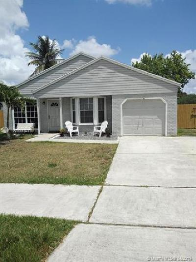 Davie Single Family Home For Sale: 820 SW 135th Way