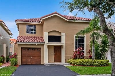 Cooper City Single Family Home For Sale: 10749 Lenox Rd