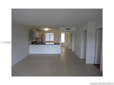 Weston Condo For Sale: 326 Lakeview Dr #202