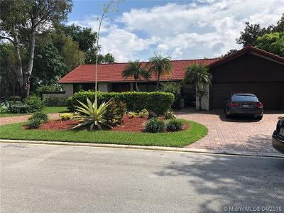 Coral Springs Single Family Home For Sale: 11200 NW 10th Mnr