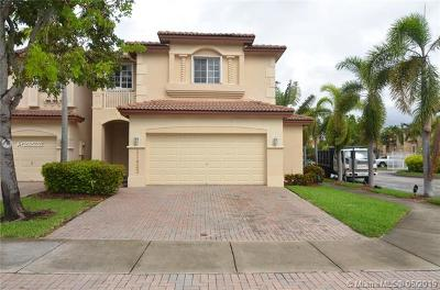 Doral Single Family Home For Sale: 11423 NW 69th Ter