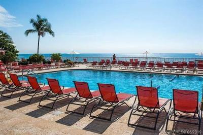 Sunny Isles Beach Condo For Sale: 19201 Collins Ave #223