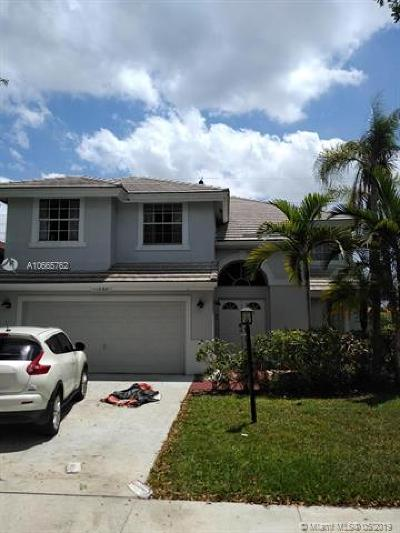 Cooper City Single Family Home For Sale: 11030 Springfield Pl