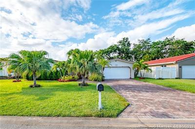 Coral Springs Single Family Home For Sale: 8755 NW 18th Ct