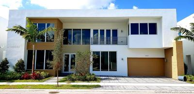 Doral Single Family Home For Sale: 10297 NW 75th Ter