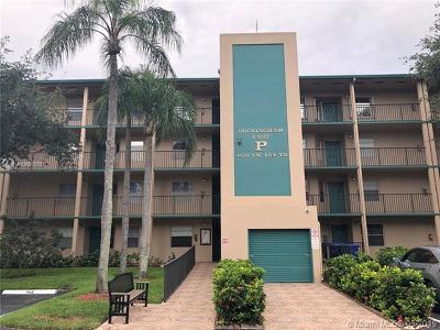 Pembroke Pines Condo For Sale: 650 SW 124th Ter #211P