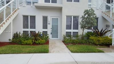 Landmark, Landmark At Doral, Landmark At Doral Condo, Landmark Condo, Landmark Doral, Landmark/Doral Condo For Sale: 10255 NW 63rd Ter #103