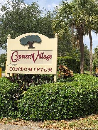 Miami Lakes Rental For Rent: 7110 E Fairway Dr #L24