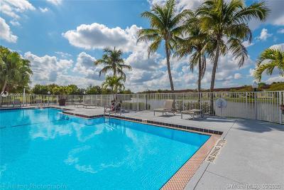 Sunrise Condo For Sale: 12650 Vista Isles Dr #917