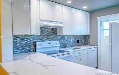 Lighthouse Point Condo For Sale: 1951 NE 39th St #241