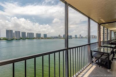 Sunny Isles Beach Condo For Sale: 17500 N Bay Rd #S905