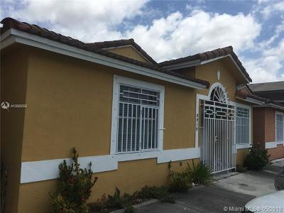 Hialeah Gardens Condo For Sale: 8919 NW 119th Ter #68