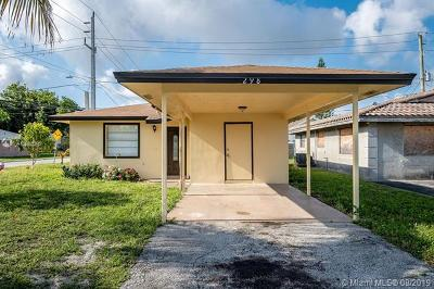 Oakland Park Single Family Home For Sale: 298 NE 35th Ct