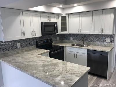 Hollywood Condo For Sale: 4001 Hillcrest Dr #302