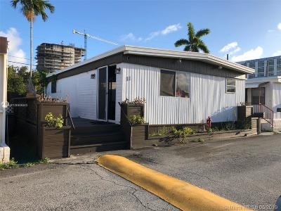 Hallandale Beach Single Family Home For Sale: 11 Palm Ave