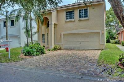 Pompano Beach Single Family Home For Sale: 1435 Banyan Cir