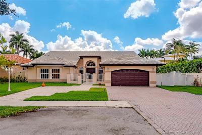 Miami Lakes Single Family Home For Sale: 15829 NW 82nd Ct