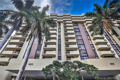 Coral Gables Condo For Sale: 600 Biltmore Way #903