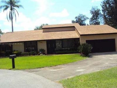 Davie Single Family Home For Sale: 6181 SW 51st Ct