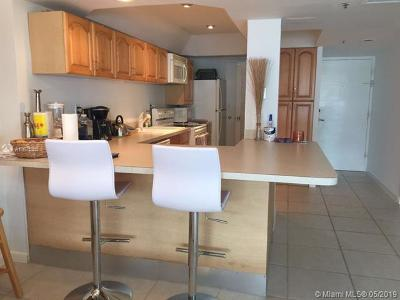 Miami Beach Condo For Sale: 100 Lincoln Rd #1039