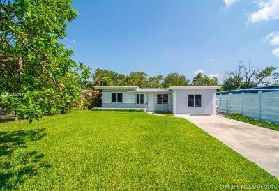 Hollywood Single Family Home For Sale: 5615 Taft St
