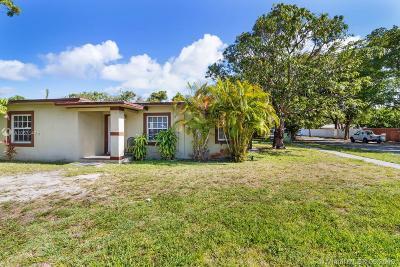 North Miami Single Family Home For Sale: 800 NE 140th St