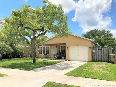Davie Single Family Home For Sale: 1711 SW 127th Ave
