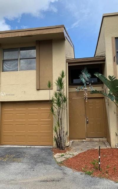 Miramar Condo For Sale: 8398 N Missionwood Cir #C-18