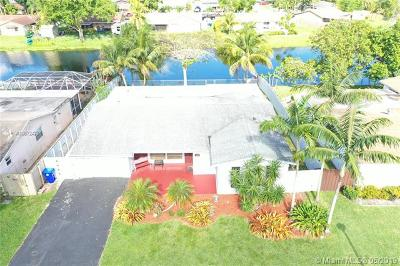 Pembroke Pines Single Family Home For Sale: 1180 NW 92nd Ave