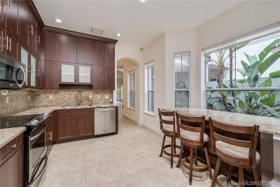 Hollywood Condo For Sale: 942 Harbor Vw S