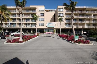 Monroe County Condo For Sale: 88500 Overseas Hwy #324