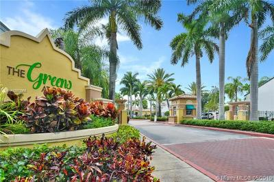 Doral Condo Active With Contract: 4857 NW 97th Ct #382