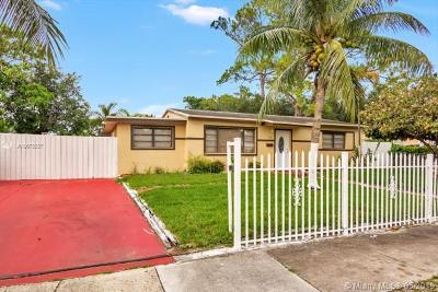 Miami Gardens Single Family Home For Sale: 3221 NW 170th St