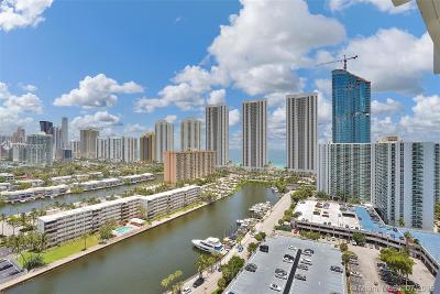 Sunny Isles Beach Condo For Sale: 300 Bayview Dr #2101