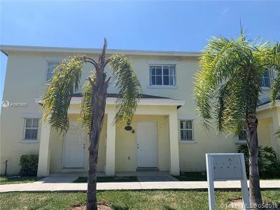 Cutler Bay Condo For Sale: 19344 SW 103rd Ct #7-10