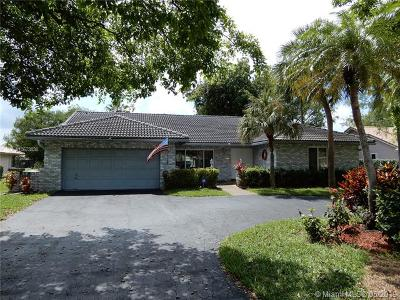 Coral Springs Single Family Home For Sale: 1444 NW 97th Ter