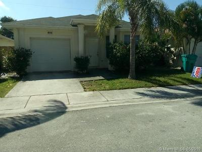 Boynton Beach Single Family Home For Sale: 444 Circle Dr S