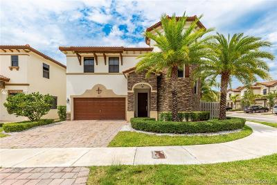 Doral Single Family Home For Sale: 9805 NW 86th Te