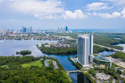 Miami-Dade County Condo For Sale: 16385 Biscayne Blvd #2007