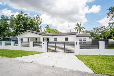 Miami Single Family Home For Sale: 6201 Coral Lake Drive