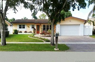 Pembroke Pines Single Family Home For Sale: 2110 NW 106th Ave