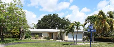 Palmetto Bay Single Family Home For Sale: 8901 SW 155th St