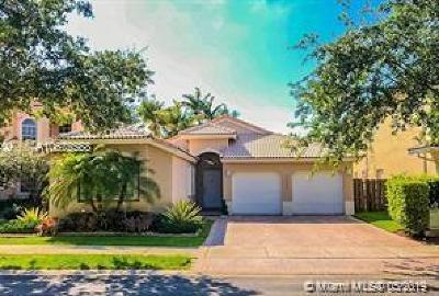 Doral Single Family Home For Sale: 7054 NW 107th Pl