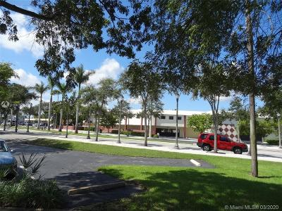 North Miami Beach Commercial For Sale: 1557 NE 164th St