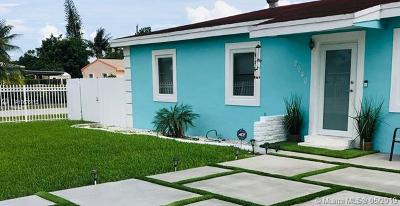 Miami Gardens Single Family Home For Sale: 2940 NW 153rd Ter