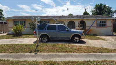 Pembroke Pines Single Family Home For Sale: 630 SW 69th Ter