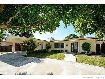Oakland Park Single Family Home For Sale: 3341 NE 17th Way