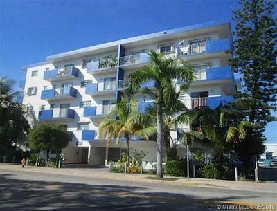 Miami Beach Condo For Sale: 7101 Byron Ave #301