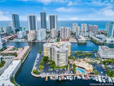 Hallandale Beach Condo For Sale: 100 Golden Isles Drive #1414