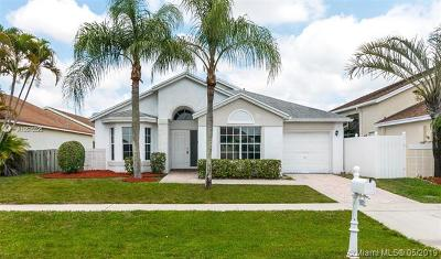 Boca Raton Single Family Home For Sale: 18932 La Costa Ln